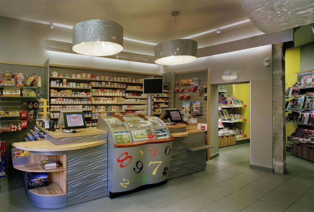 aménagement d'intérieur d'entreprise, le tabac presse «Aux Volutes» à Lyon